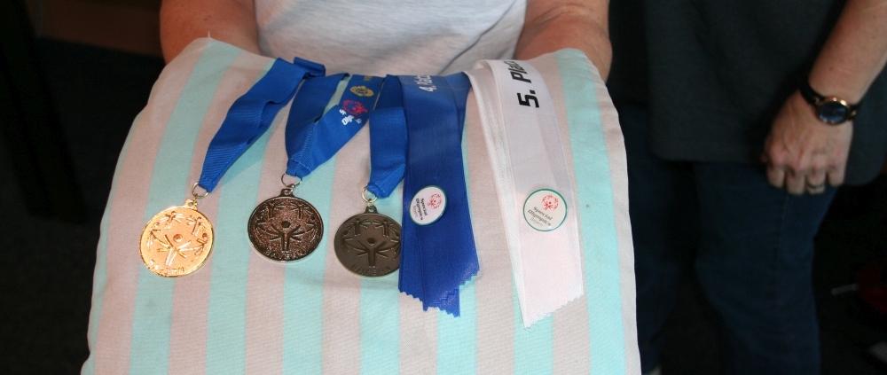Gastgeber erringen insgesamt 13 Medaillen